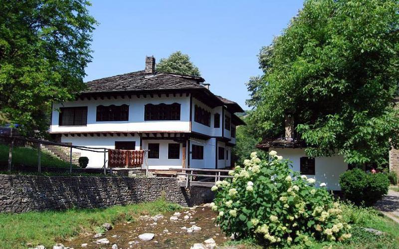 Архитектурно-этнографический комплекс Этыр