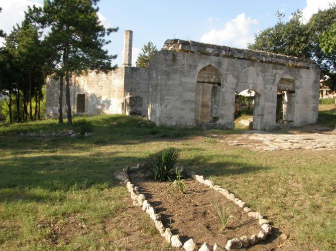Усыпальница святого Ак-Азала-Бабу