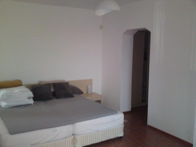Дом / Вилла в Бяле за 120000 €  в сутки