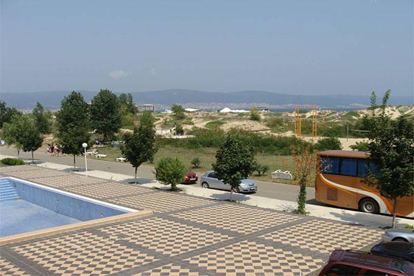 Коммерческая недвижимость в Солнечном береге за 12000000 €  в сутки