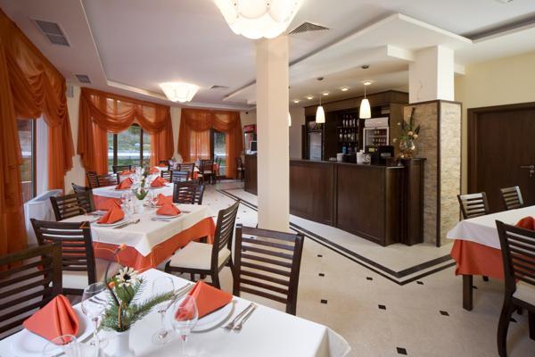 Коммерческая недвижимость в Батаке за 468000 €  в сутки