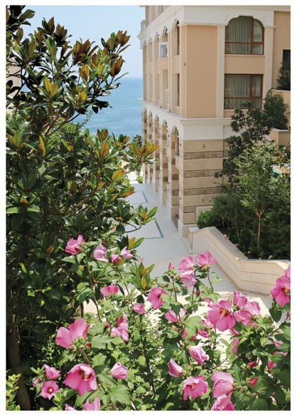 Квартира в Золотых песках за 99800 €  в сутки