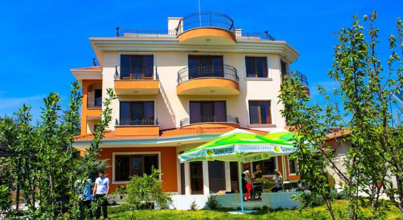 Дом / Вилла в Варне за 540000 €  в сутки