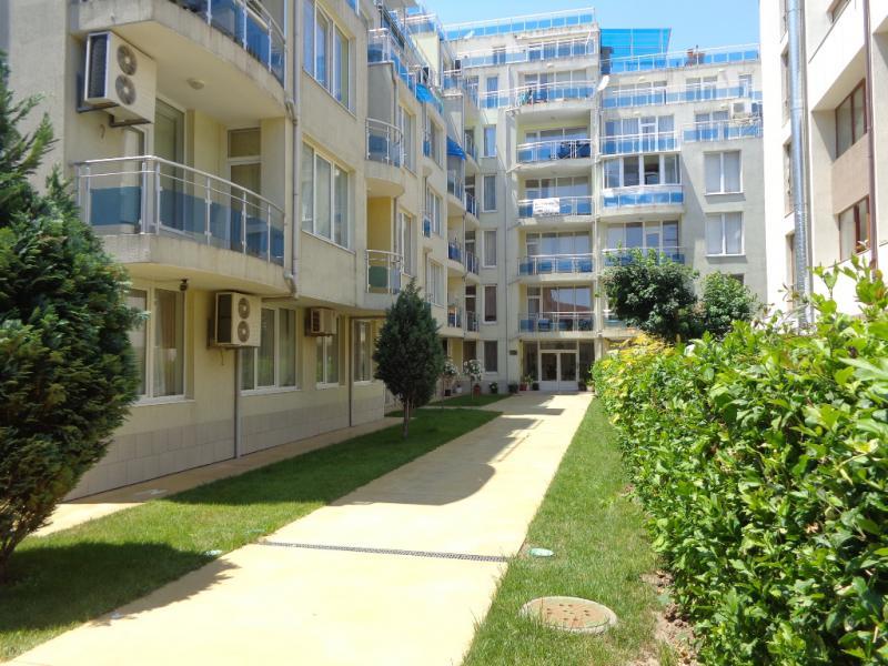 Дом / Вилла в Равде за 22000 €  в сутки