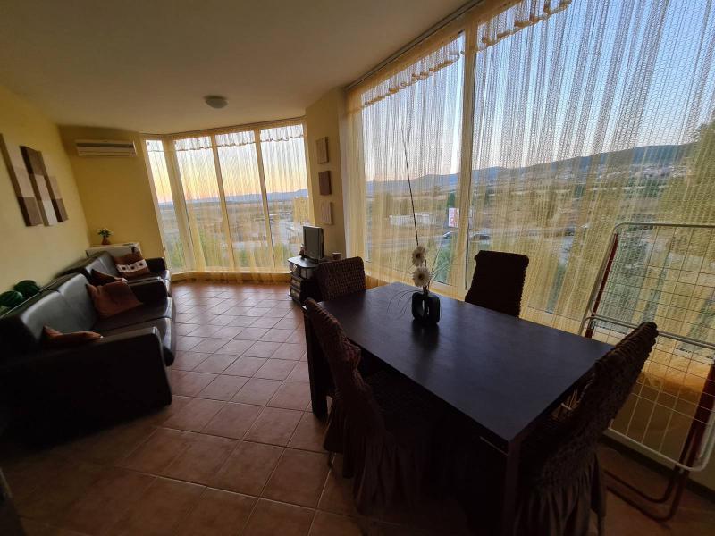 Дом / Вилла в Солнечном береге за 28000 €  в сутки
