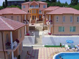 Дом/вилла в Золотых песках за 98 €  в сутки